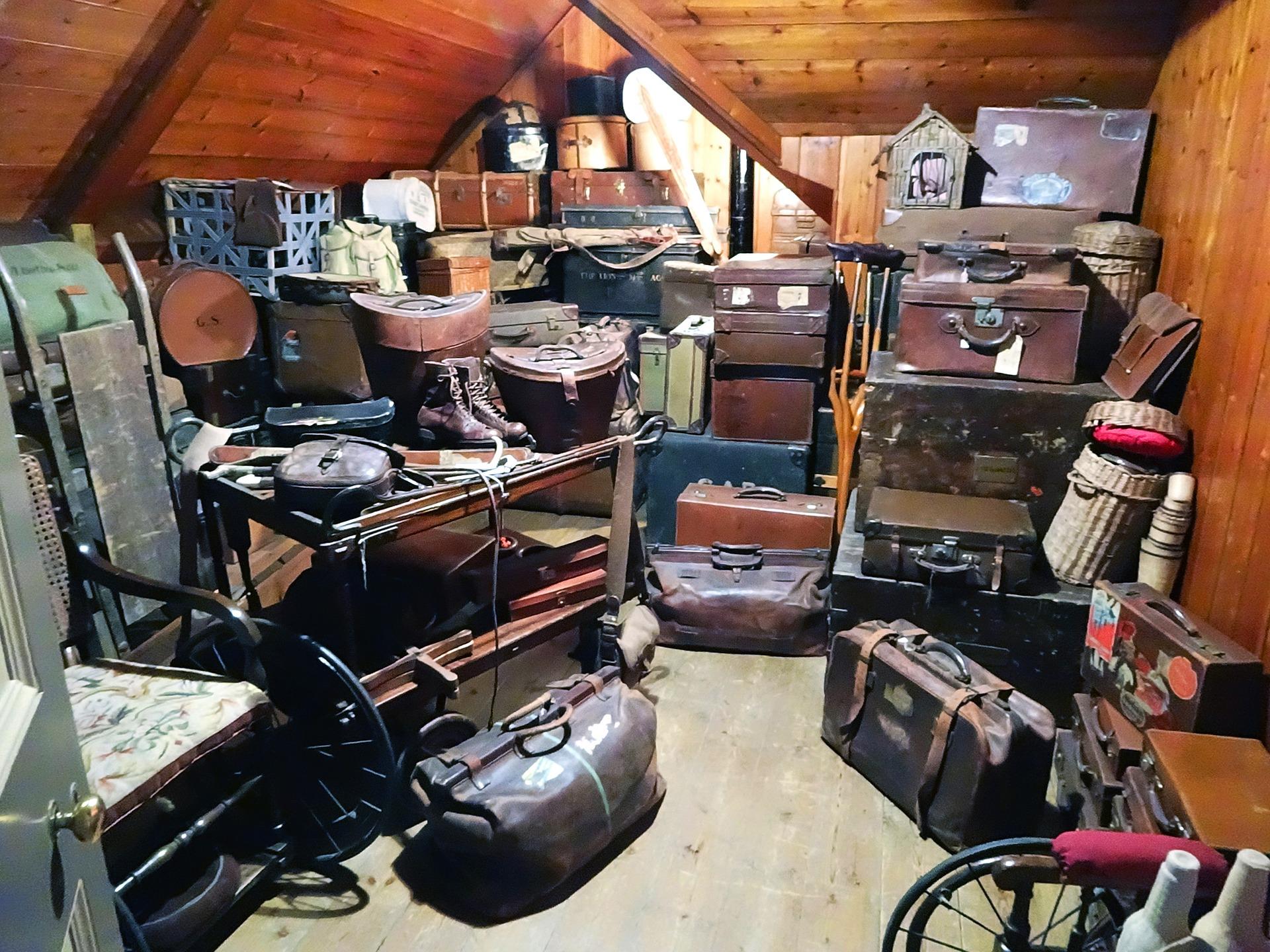luggage-638376_1920
