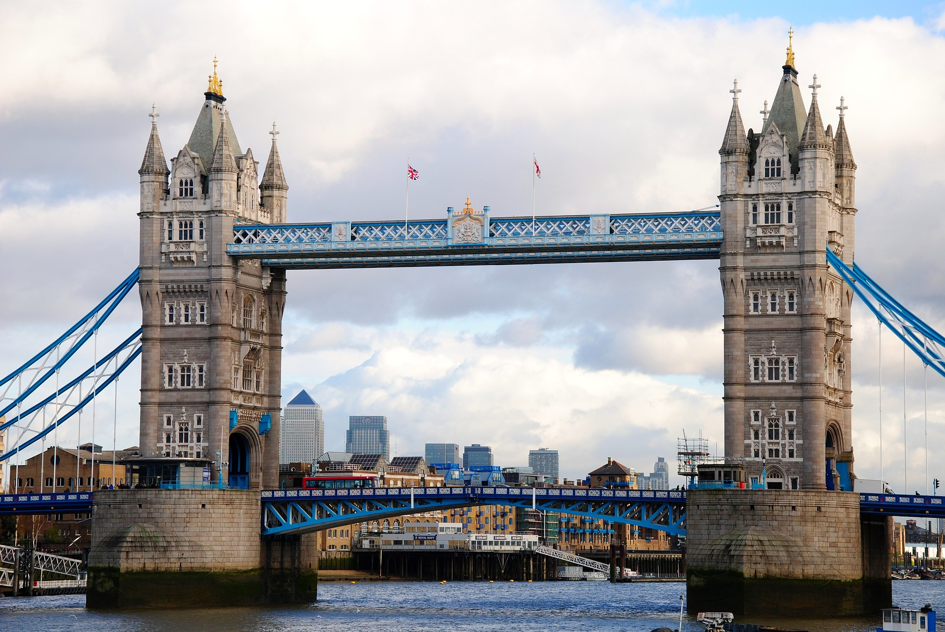 tower-bridge-1938684_1920