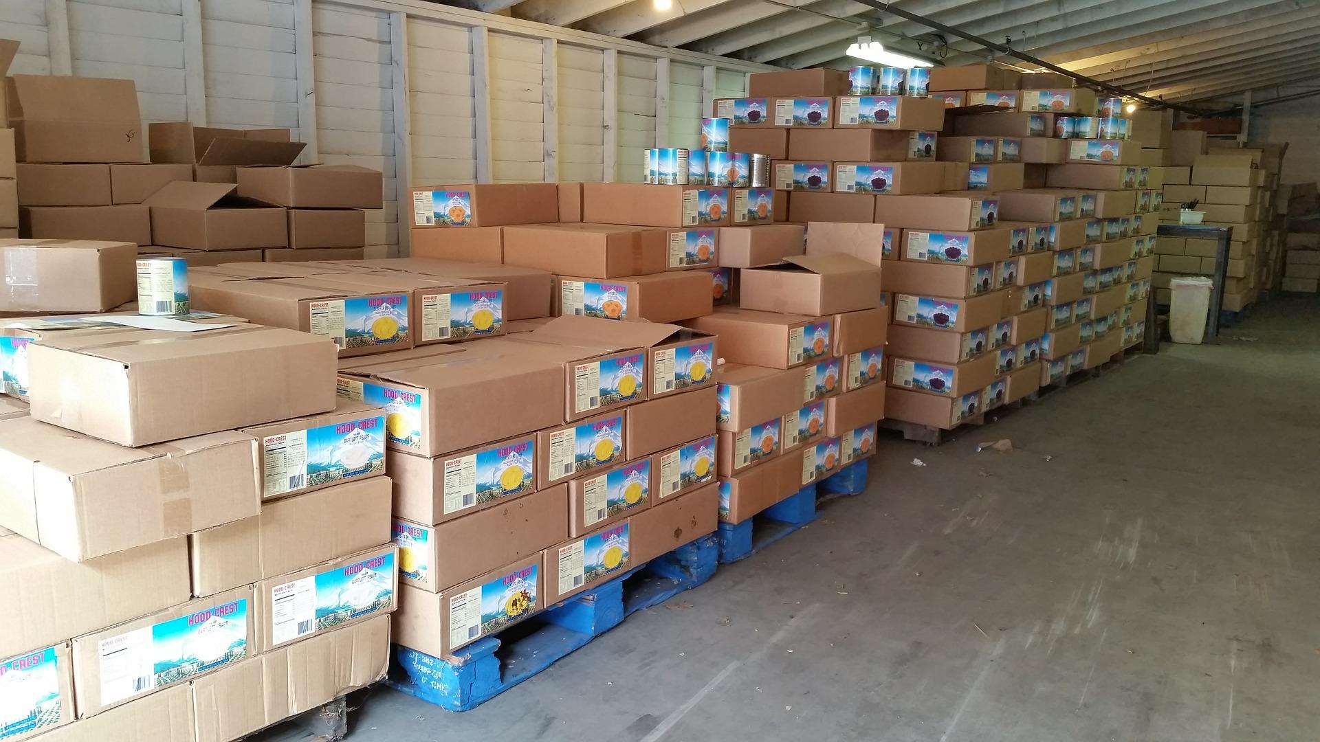 warehouse-485240_1920