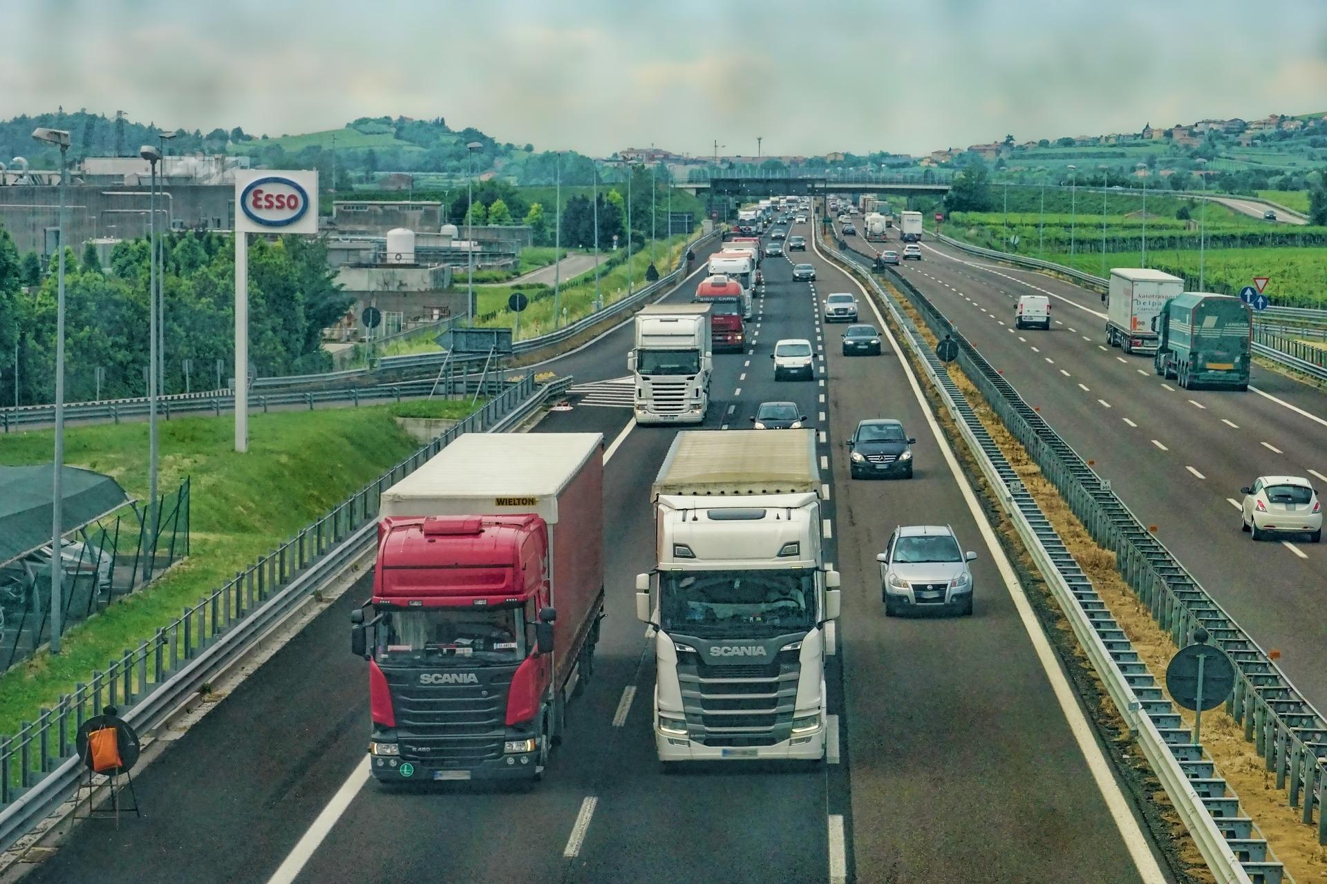 highway-3392100_1920
