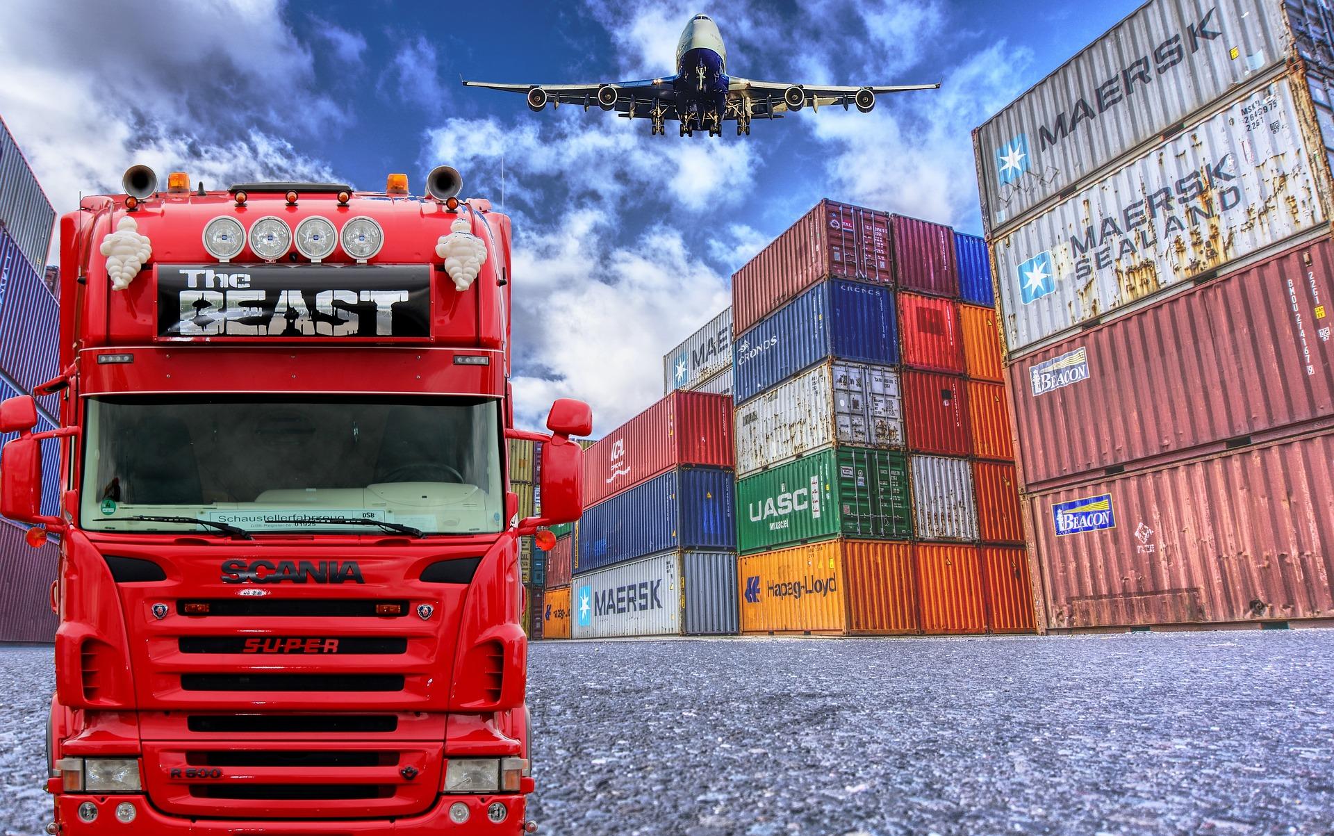 logistics-3382013_1920